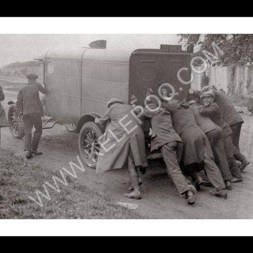 Photo d'époque automobile n°17 - photographe Victor Forbin