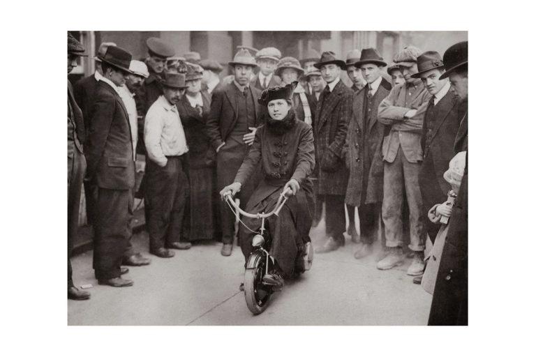 Photo d'époque cycles n°02 - photographe Victor Forbin