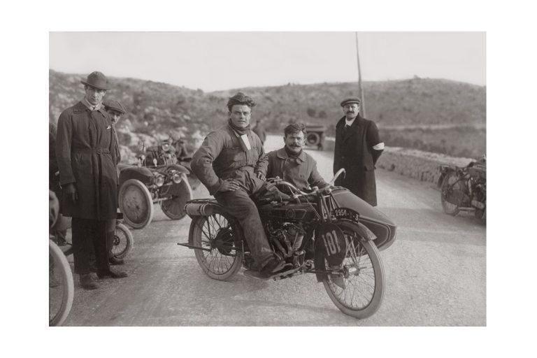 Photo d'époque cycles n°09