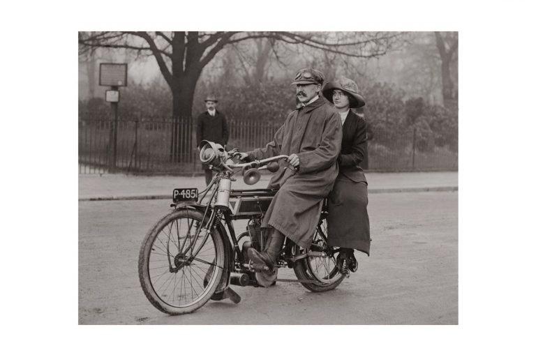 Photo d'époque cycles n°12 - photographe Victor Forbin