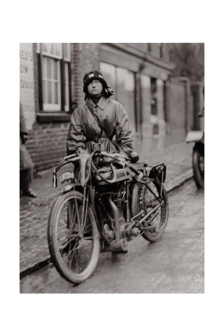 Photo d'époque Cycles n°18 - photographe Victor Forbin