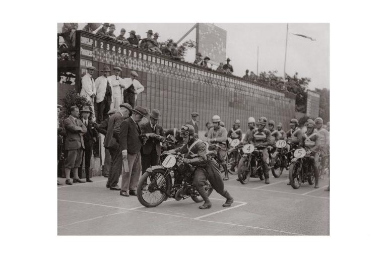 Photo d'époque Cycles n°24 - photographe Victor Forbin
