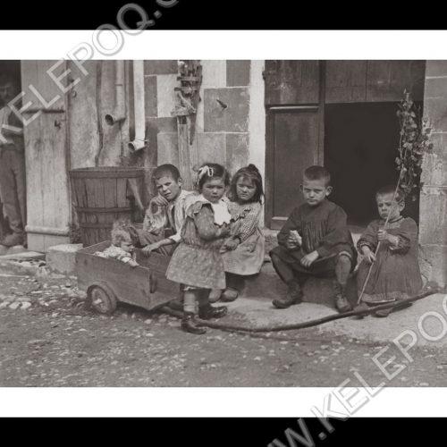 Photo d'époque Enfance n°01 - Auvergne - Mai 1908