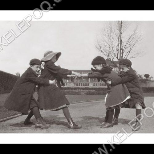Photo d'époque Enfance n°2 - jeux d'enfants