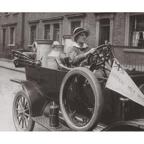 Photo d'époque commerce n°10 - Livreuse de lait - Angleterre - photographe Victor Forbin