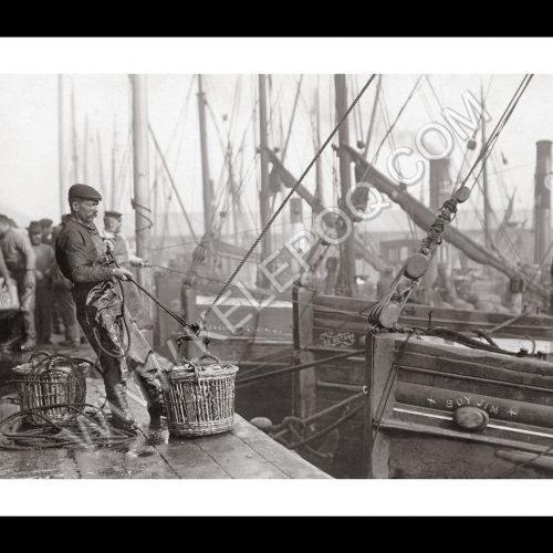 Photo d'époque pêche n°30 - photographe Victor Forbin