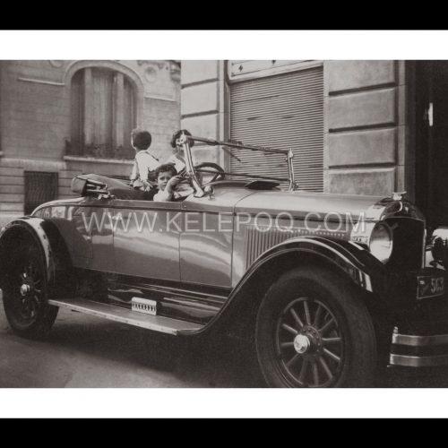 Photo d'époque Enfance n°08 - enfants dans une voiture