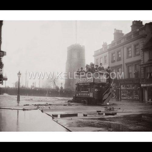 Photo d'époque Londres n°03 - innondations Grand Londres - Putney bridge