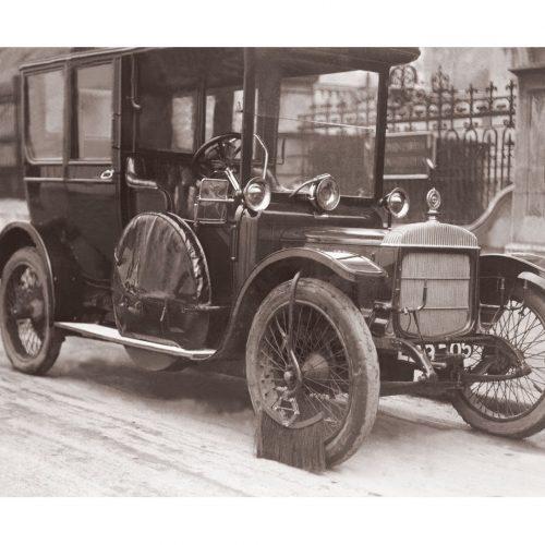 Photo d'époque Automobile n°62 - brosse anti-boue voiture Londres