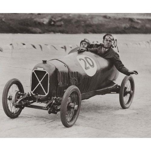 Photo d'époque automobile n°63 - course 200 miles cirucuit de Brooklands, Angleterre - photographe Victor Forbin