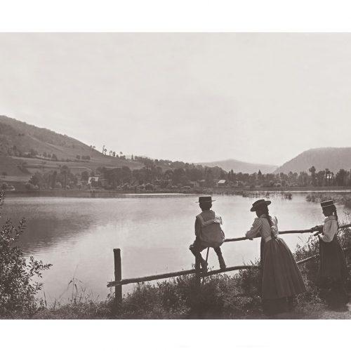 Photo d'époque campagne n°12 - promenade au bord d'un lac