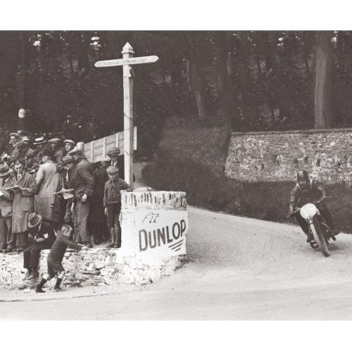 Photo d'époque Cycles n°43 - course moto - Ile de Man
