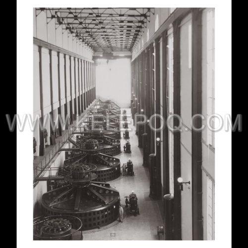 Photo d'époque industries n°04 - salle des turbines usine hydroélectrique