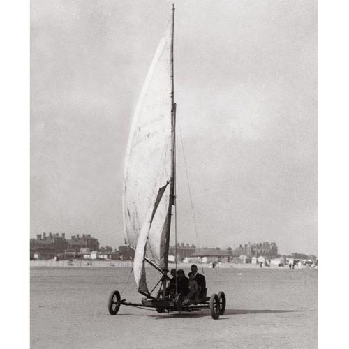Photo d'époque mer n°44 - char à voile - photographe Victor Forbin