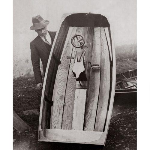 Photo d'époque mer n°47 - pédalo pour enfants - Photographe Victor Forbin