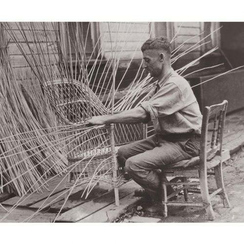 Photo d'époque métiers n°23 - tressage chaise en roseaux - Liverpool - Etats-Unis