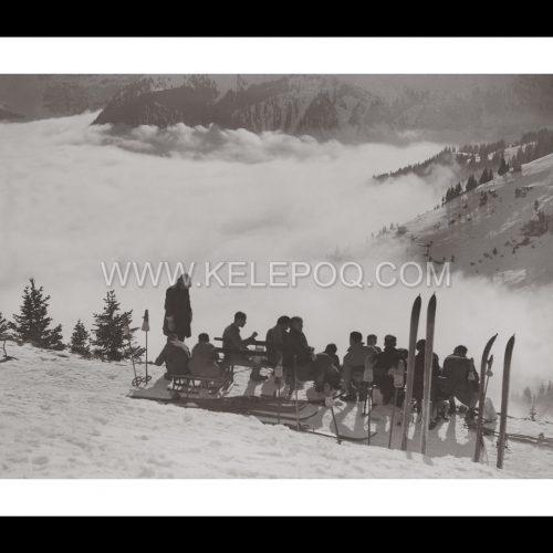 Photo d'époque Montagne n°88 - pique-nique dans la neige