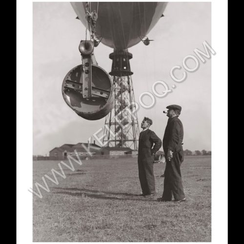 Photo d'époque dans les airs n°15 - inspection ballon dirigeable