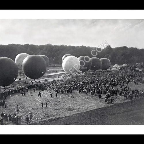 Photo d'époque dans les airs n°11 - vol de montgolfières