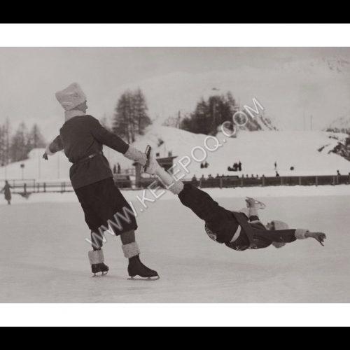 Photo d'époque montagne n°84 - double en patin à glace - st moritz - photographe Victor Forbin