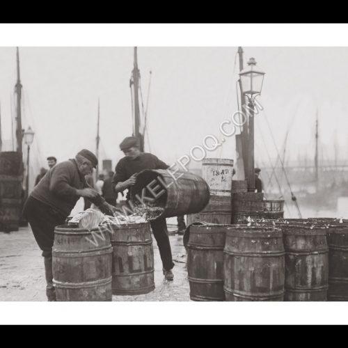 Photo d'époque pêche n°74 - pêche harengs - Lowestoft, Angleterre