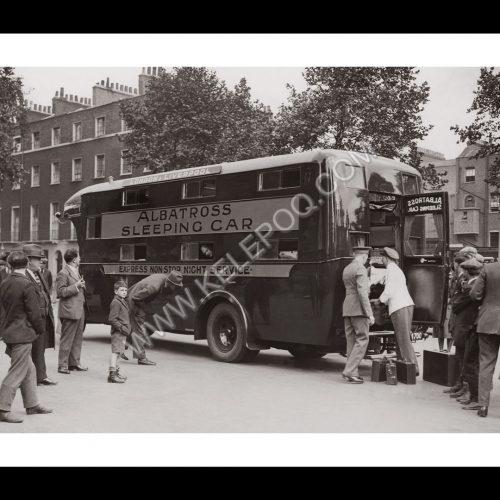 Photo d'époque Londres n°04 - bus de nuit Londres-Liverpool