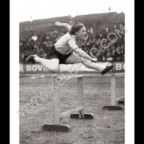 Photo d'époque sport n°37 - saut de haies