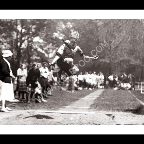Photo d'époque sport n°45- saut en longueur