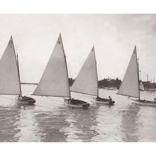 Photo d'époque sur l'eau 09 - carnaval parc national du Norfolk - Photographe Victor Forbin