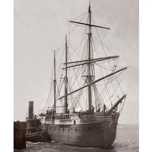 """Photo d'époque sur l'eau n°12 - navire prison australien le """"Success"""""""