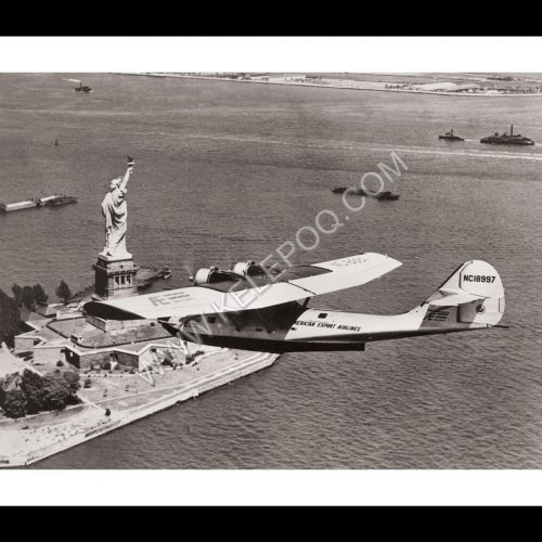 Photo d'époque dans les airs n°21 - Hydravion au-dessus de la Statue de la Liberté - New-York