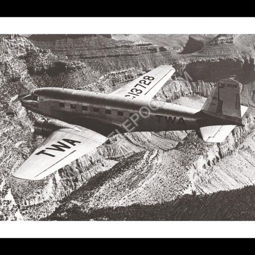 Photo d'époque dans les airs n°22 - avion Douglas DC-2