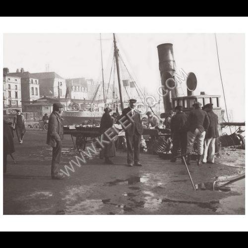 Photo d'époque Dieppe n°01 - Marché aux poissons
