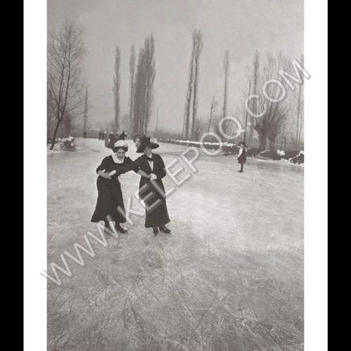 Photo d'époque montagne n°92 - patinage à Chambéry - janvier 1911