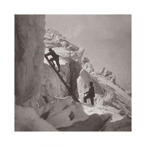 Photo d'époque montagne n°95 - Passage d'échelle à la jonction - Chamonix