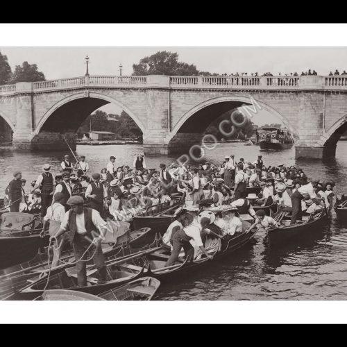 Photo d'époque sur l'eau n°23 - bateliers à Richmond - Angleterre