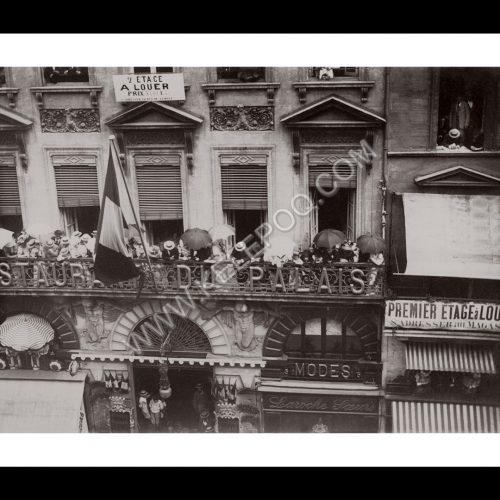 Photo d'époque Bordeaux 04 - Public aux balcons