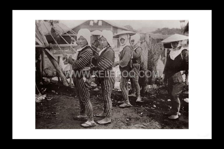 Photo d'époque voyage n°04 - construction puits Japon