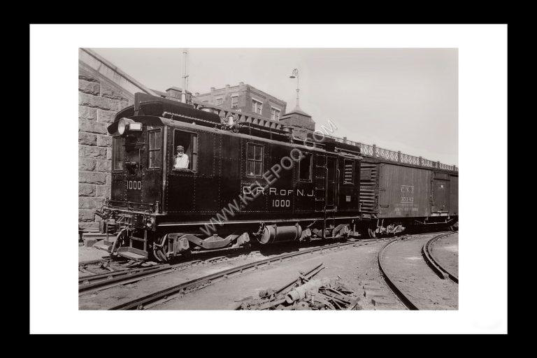 Photo d'époque locomotive n°08 - première locomotive hybride - photographe Victor Forbin