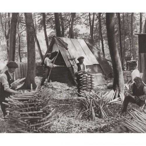 Photo d'époque commerce n°28 - confection artisanale chaises en bois