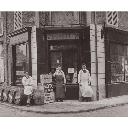 Photo d'époque métiers n°33 - buvette et distributeurs d'essence