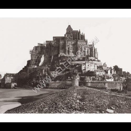 Photo d'époque Mont-Saint-Michel n°05 - encore avec les échafaudages