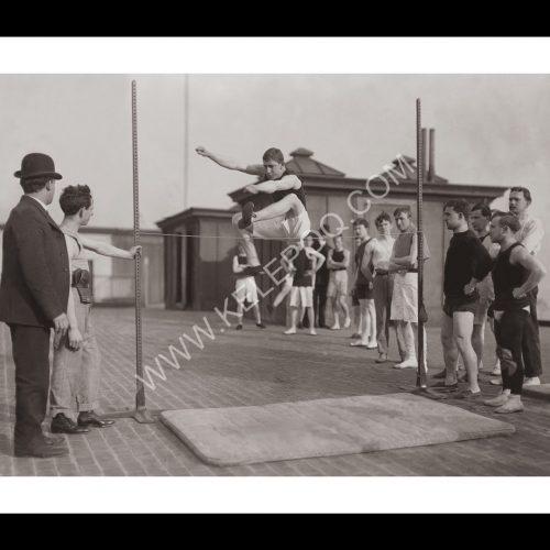Photo d'époque sport n°57 - saut en hauteur