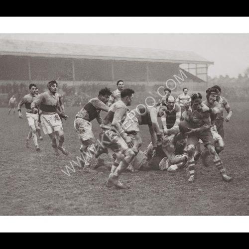 Photo d'époque sport n°60 - rugby - Metroplitan police contre police française - photographe Victor Forbin