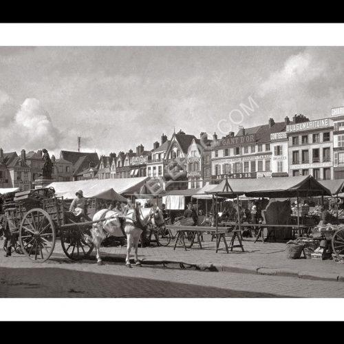 Photo d'époque Beauvais n°02 - Place du commerce - 1920