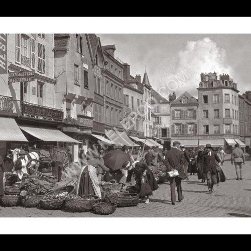 Photo d'époque Beauvais n°03 - Place du commerce - 1920