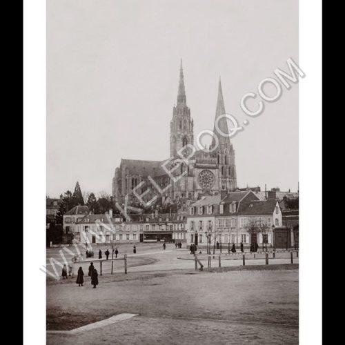 Photo d'époque Chartres n°04 - Cathédrale de Chartres vue du marché aux veaux