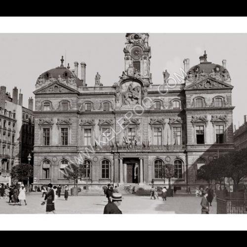Photo d'époque Lyon n°03 - Hotel de Ville de Lyon - place des Terreaux
