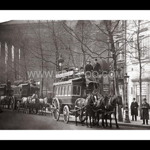 Photo d'époque Paris n°28 - Transports Métropolitain - Eglise de la Madeleine - Paris - 1920