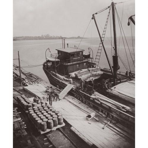 Photo d'époque sur l'eau n°45 - Ryde regatta - bateau de transport - photographe Victor Forbin
